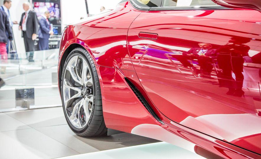 2017 Lexus LC500 - Slide 13