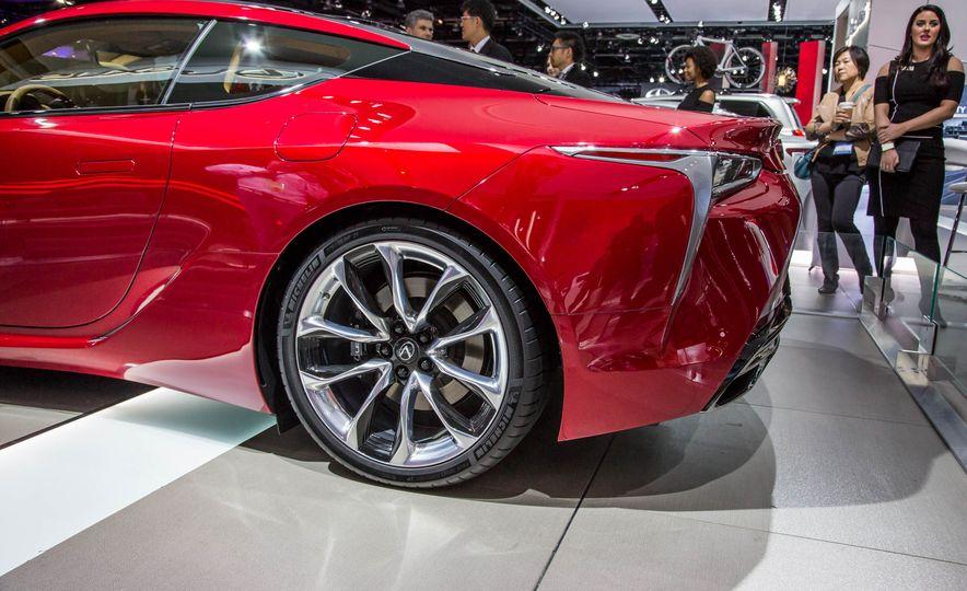 2017 Lexus LC500 - Slide 14
