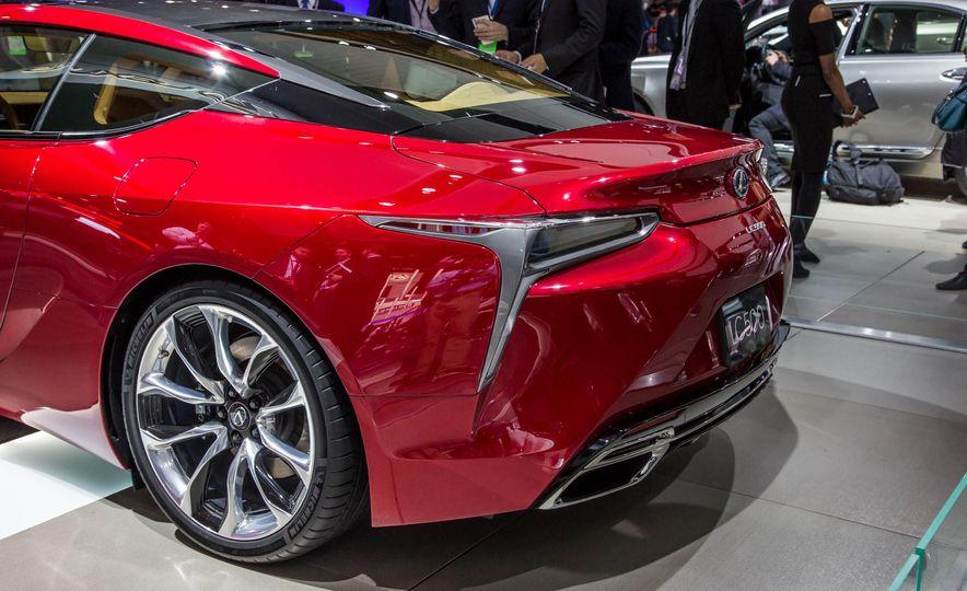2017 Lexus LC500 - Slide 15