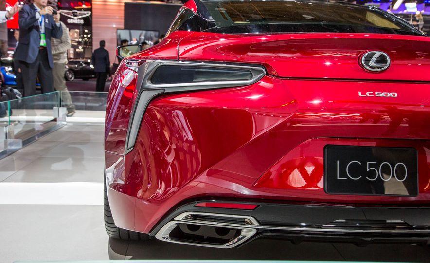 2017 Lexus LC500 - Slide 16
