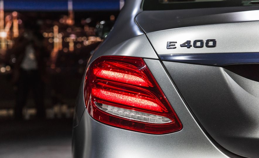2017 Mercedes-Benz E350 - Slide 19