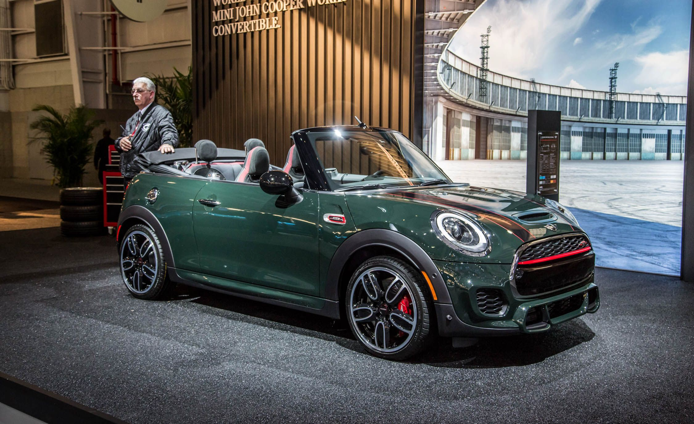 Toyota Build And Price >> 2016 Mini Cooper Convertible S / JCW Pictures | Photo ...