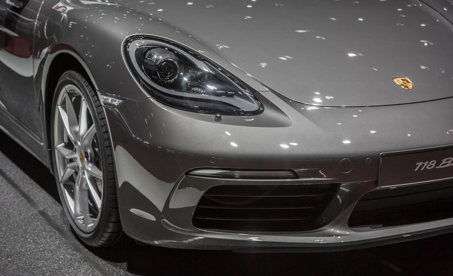 2017 Porsche 718 Boxster - Slide 10