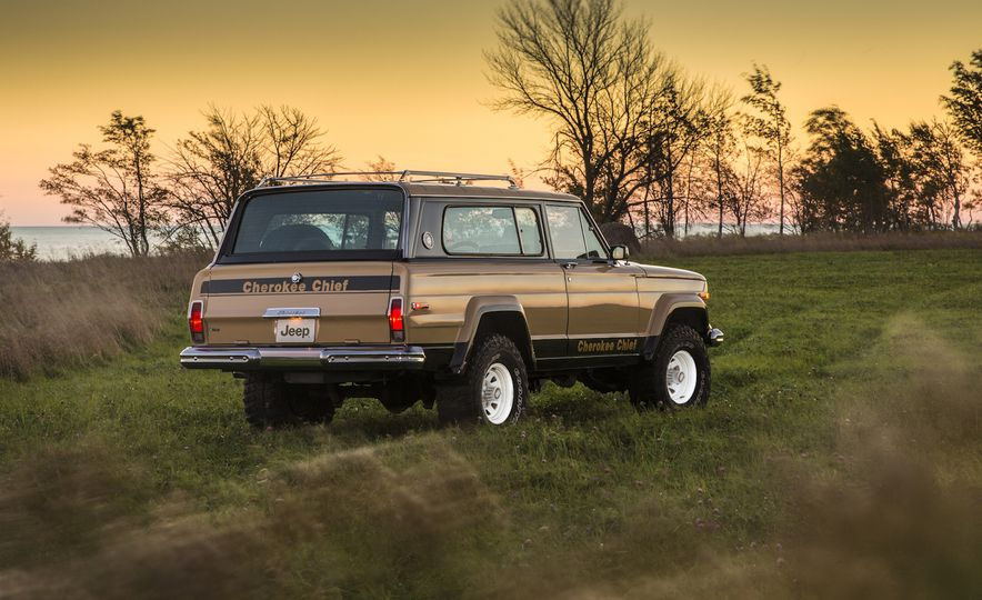 Nothing More, Nothing Less: Sweet Photos of Old Jeeps! - Slide 13