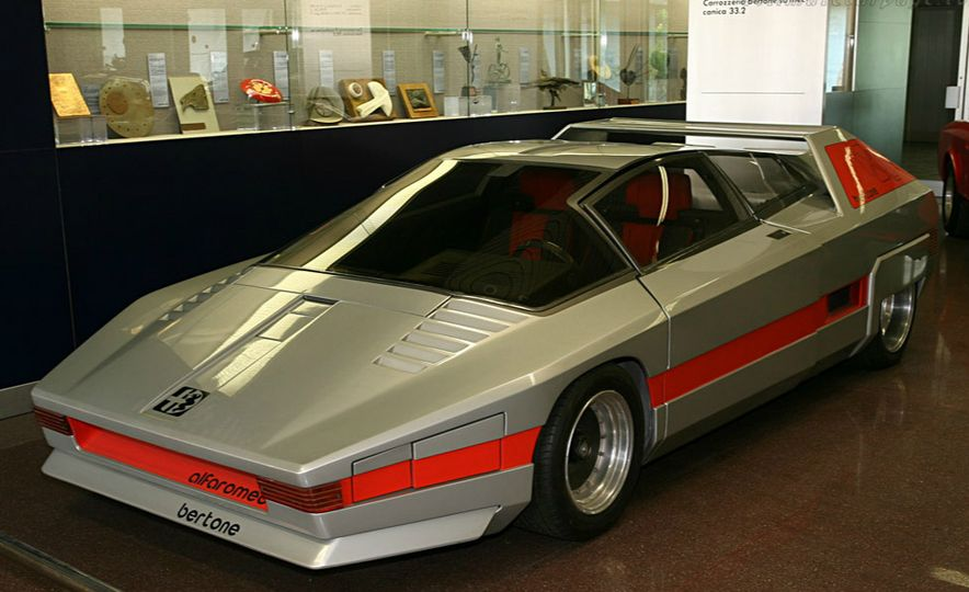 Doorstop Believin': 27 Incredible Concept Cars of the Wedge Era - Slide 26