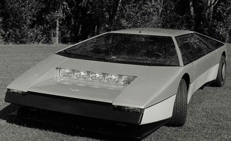 Doorstop Believin': 27 Incredible Concept Cars of the Wedge Era - Slide 31