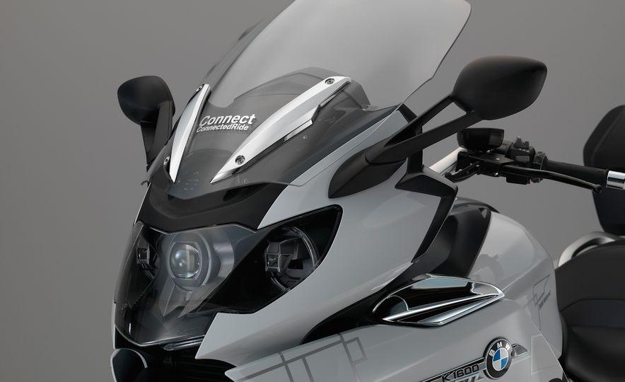 BMW ConnectedRide motorcycle laser light - Slide 4