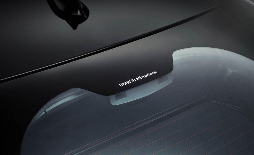 BMW i8 Mirrorless cameras - Slide 4