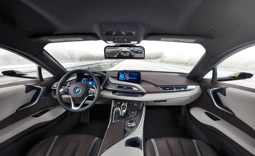 BMW i8 Mirrorless cameras - Slide 8