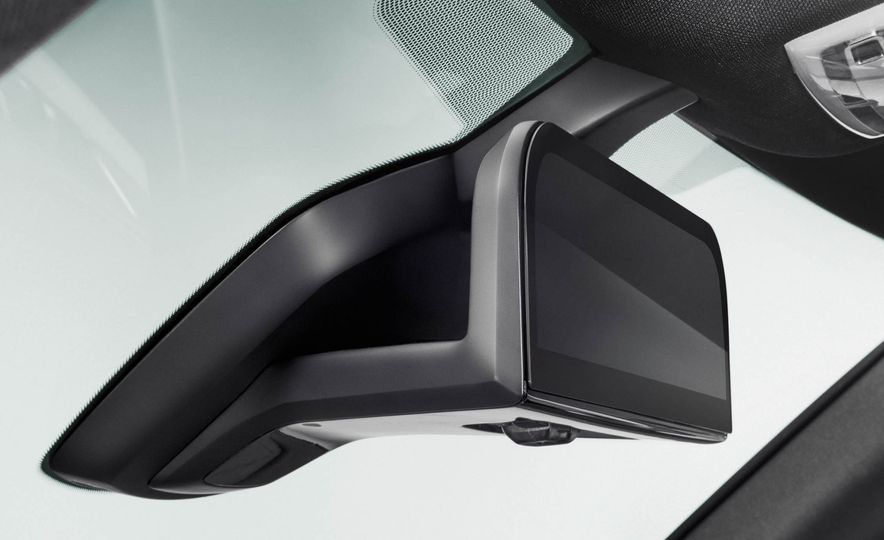 BMW i8 Mirrorless cameras - Slide 9