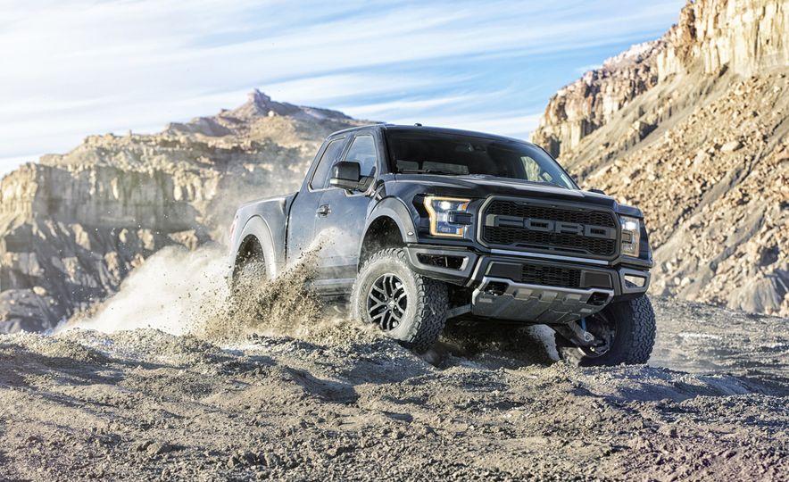 2017 Ford Escape Titanium - Slide 46