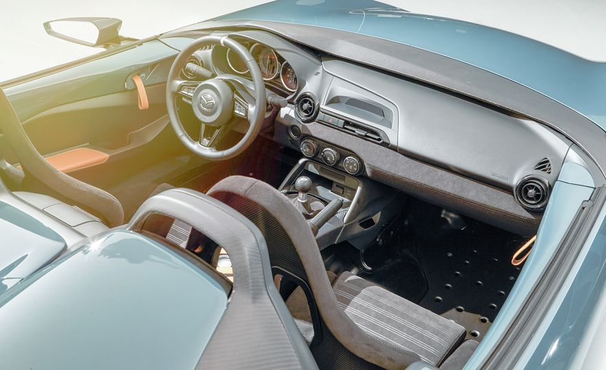 Mazda Miata Spyder concept and Mazda Miata Speedster concept - Slide 5