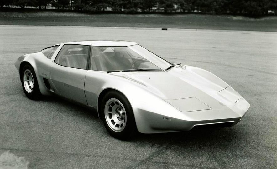 Doorstop Believin': 27 Incredible Concept Cars of the Wedge Era - Slide 23