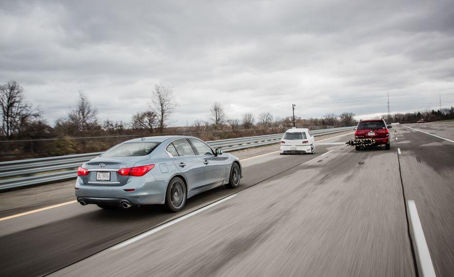 2016 BMW 750i xDrive - Slide 8