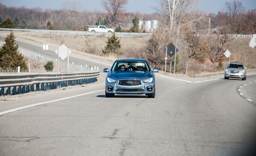 2016 BMW 750i xDrive - Slide 12