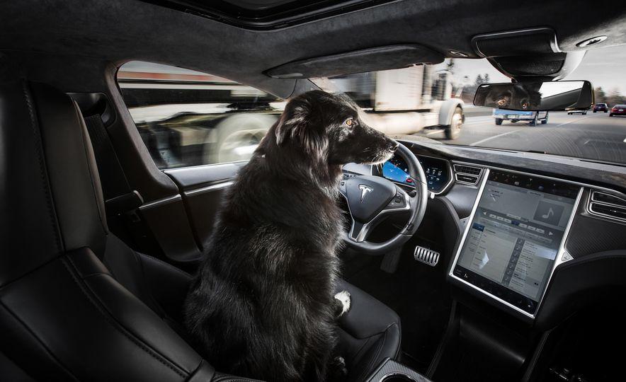 2016 BMW 750i xDrive - Slide 26