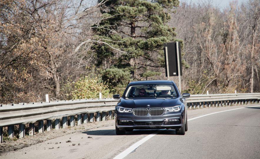 2016 BMW 750i xDrive - Slide 4