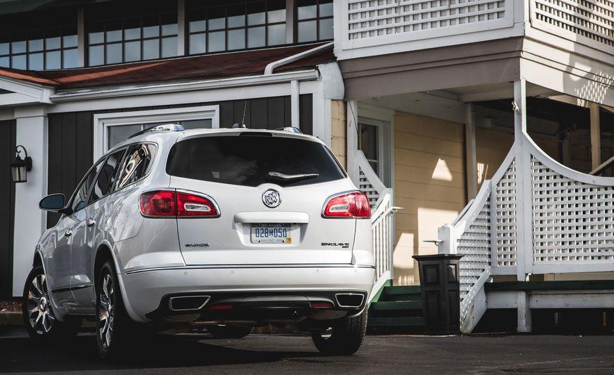 2016 Buick Enclave AWD - Slide 16