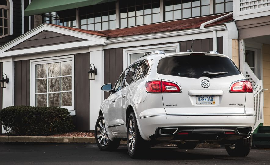 2016 Buick Enclave AWD - Slide 17