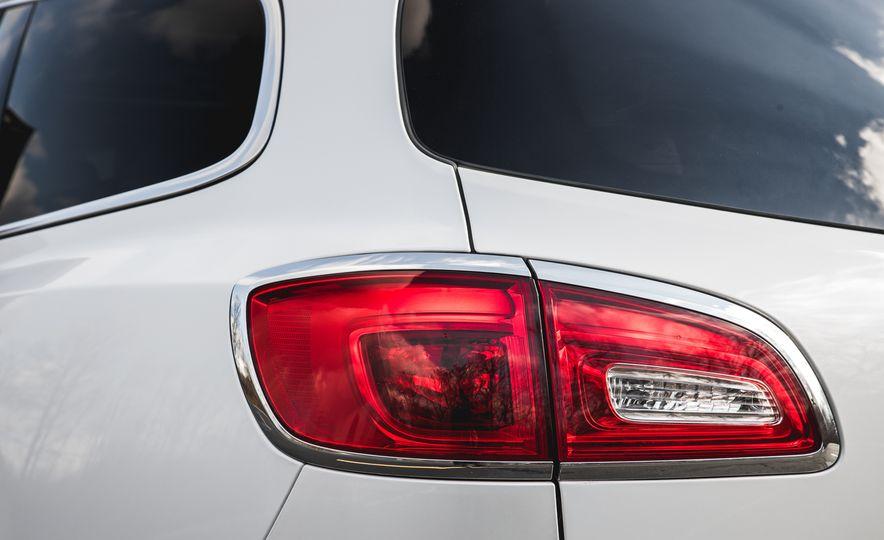 2016 Buick Enclave AWD - Slide 23