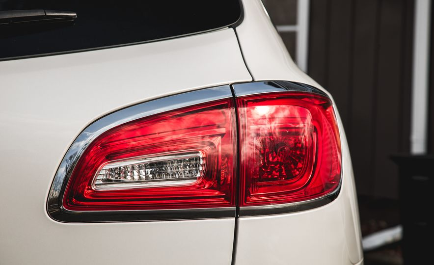 2016 Buick Enclave AWD - Slide 24