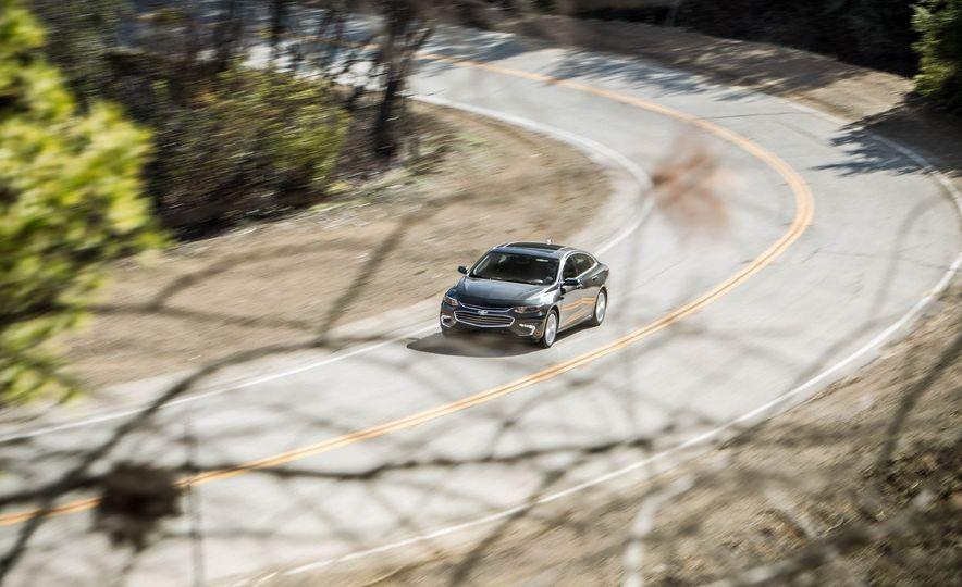 2016 Chevrolet Malibu LT 1.5T - Slide 1