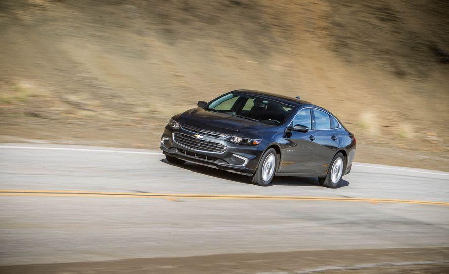 2016 Chevrolet Malibu LT 1.5T - Slide 2