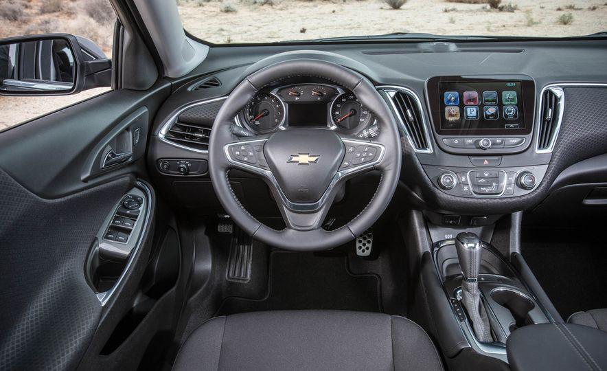 2016 Chevrolet Malibu LT 1.5T - Slide 22