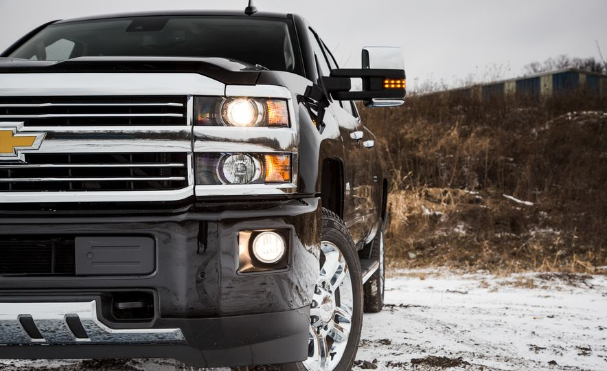 2016 Chevrolet Silverado 2500HD 4x4 High Country - Slide 18