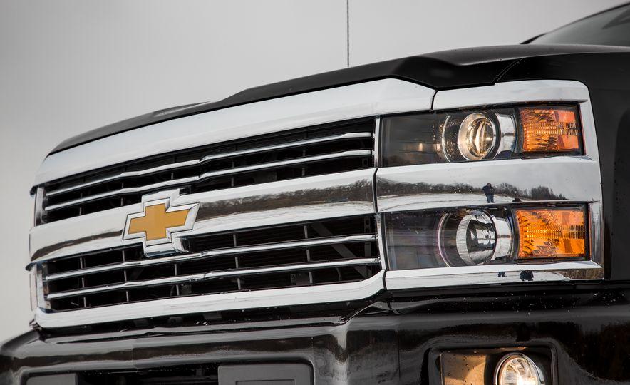 2016 Chevrolet Silverado 2500HD 4x4 High Country - Slide 19