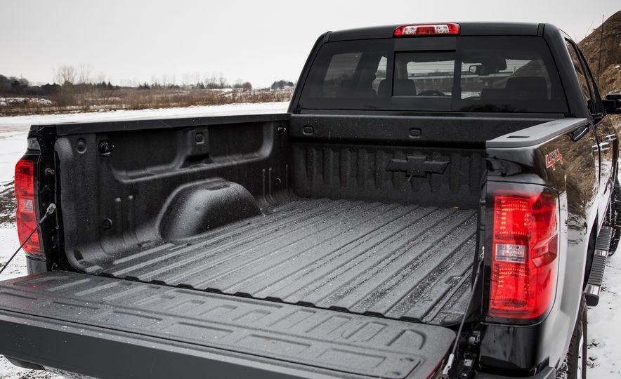 2016 Chevrolet Silverado 2500HD 4x4 High Country - Slide 24