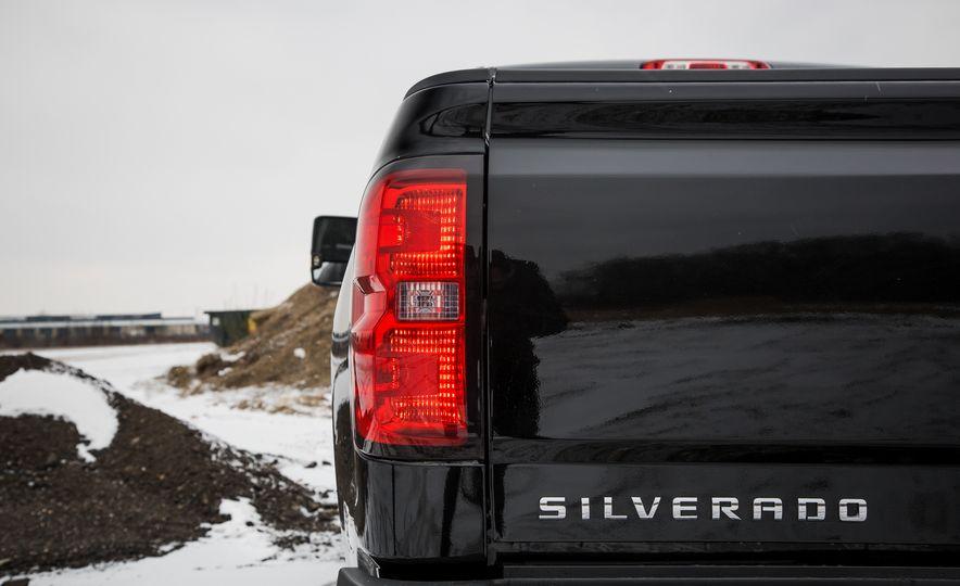 2016 Chevrolet Silverado 2500HD 4x4 High Country - Slide 26