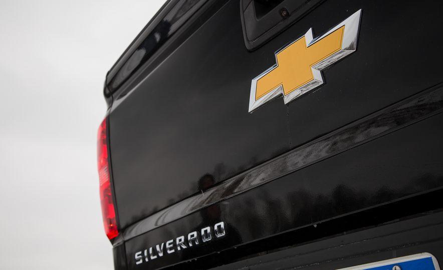 2016 Chevrolet Silverado 2500HD 4x4 High Country - Slide 29