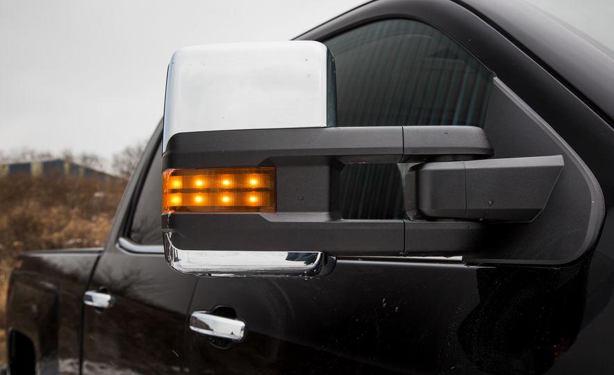 2016 Chevrolet Silverado 2500HD 4x4 High Country - Slide 30