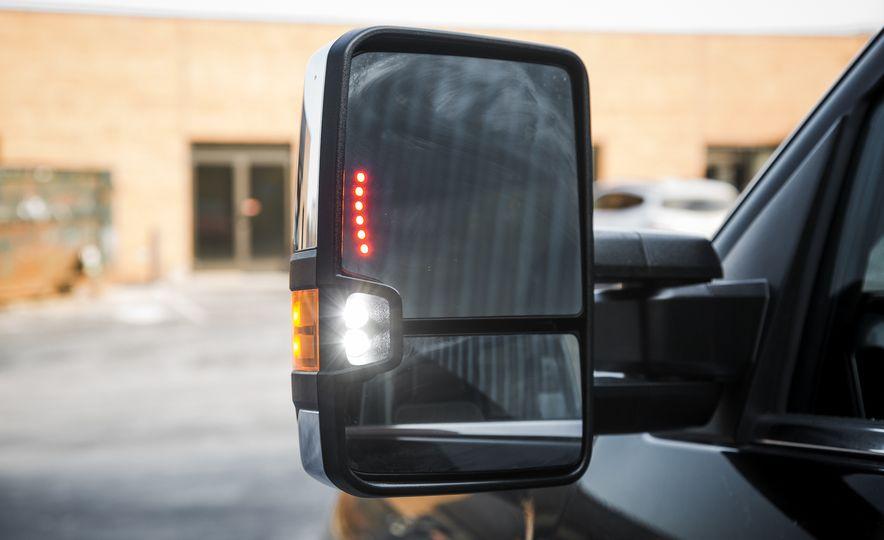 2016 Chevrolet Silverado 2500HD 4x4 High Country - Slide 31