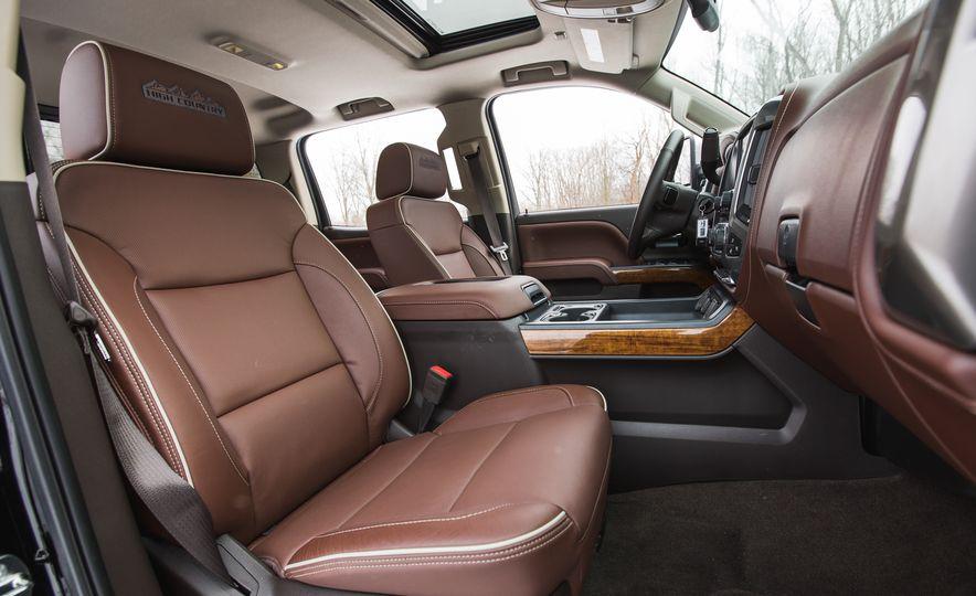 2016 Chevrolet Silverado 2500HD 4x4 High Country - Slide 39
