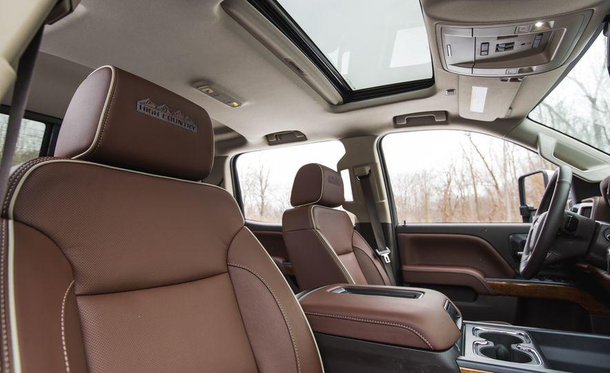 2016 Chevrolet Silverado 2500HD 4x4 High Country - Slide 40