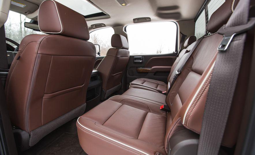 2016 Chevrolet Silverado 2500HD 4x4 High Country - Slide 41