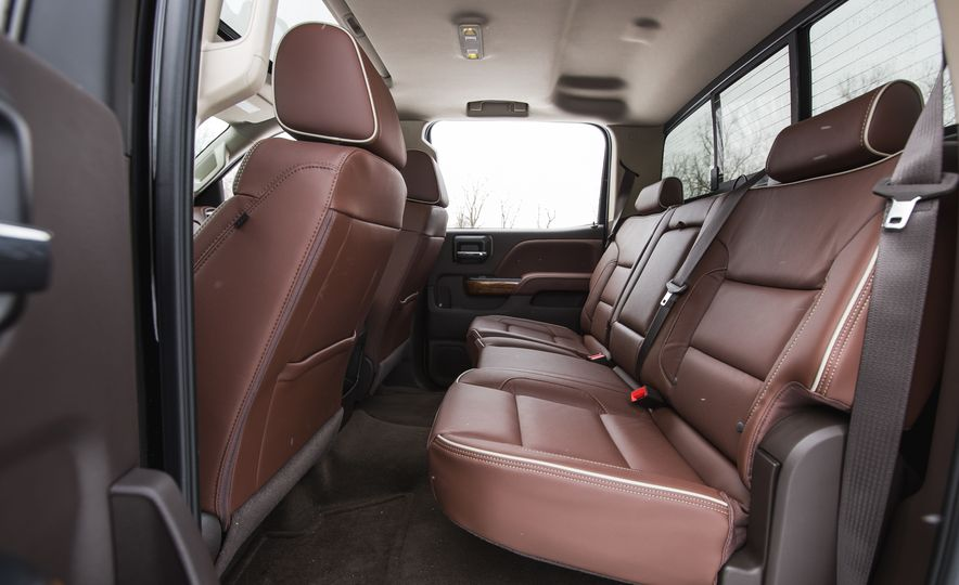 2016 Chevrolet Silverado 2500HD 4x4 High Country - Slide 42