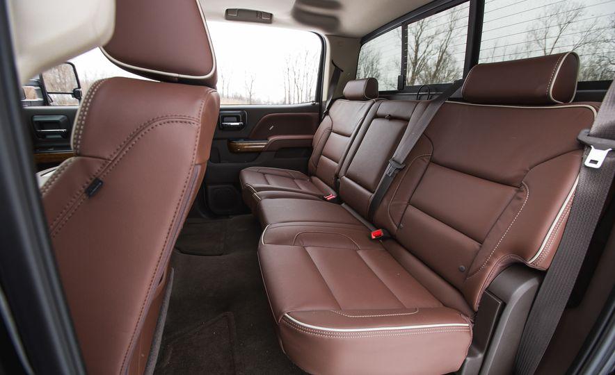 2016 Chevrolet Silverado 2500HD 4x4 High Country - Slide 43