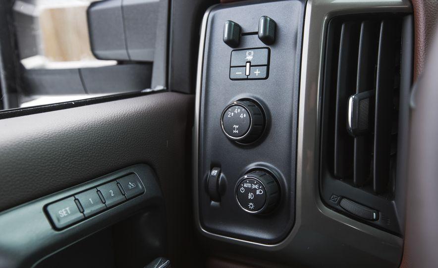 2016 Chevrolet Silverado 2500HD 4x4 High Country - Slide 49