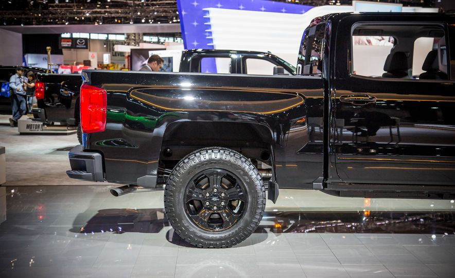 2016 Chevrolet Silverado 1500 Z71 Midnight Edition - Slide 12