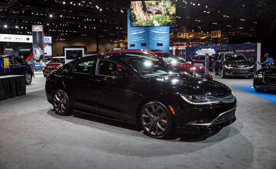 2016 Chrysler 200S Alloy Edition - Slide 1