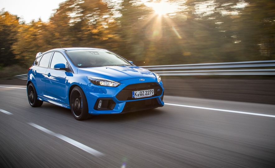 2016 Ford Focus RS with winter tire package - Slide 11