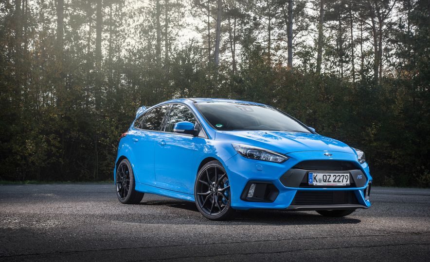 2016 Ford Focus RS with winter tire package - Slide 23