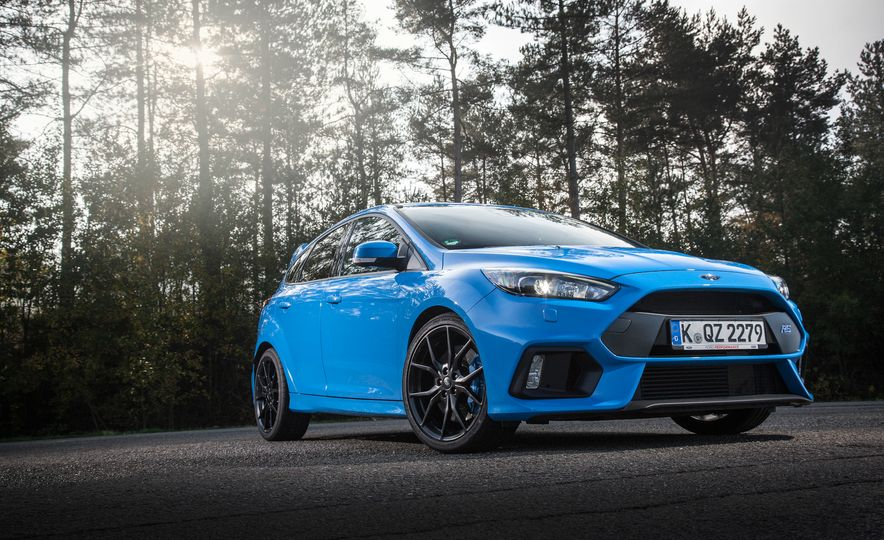 2016 Ford Focus RS with winter tire package - Slide 24