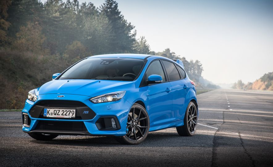 2016 Ford Focus RS with winter tire package - Slide 25