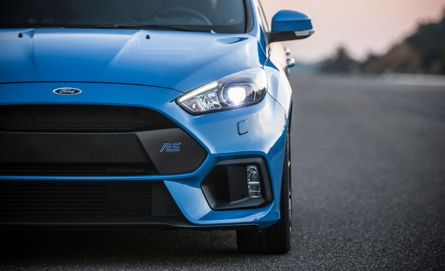 2016 Ford Focus RS with winter tire package - Slide 31