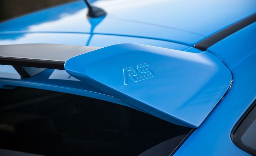 2016 Ford Focus RS with winter tire package - Slide 35