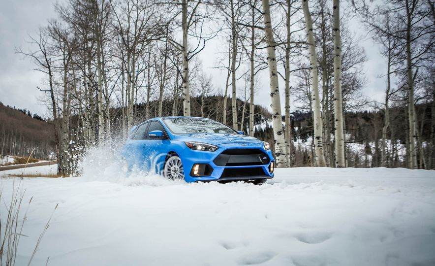 2016 Ford Focus RS with winter tire package - Slide 1